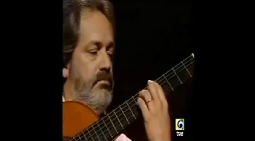 Jorge Cardoso plays Milonga