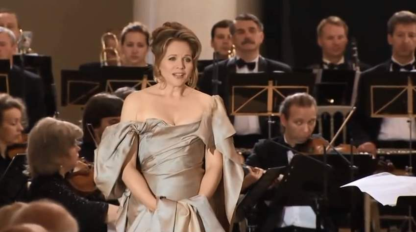 Renée Fleming sings Casta Diva