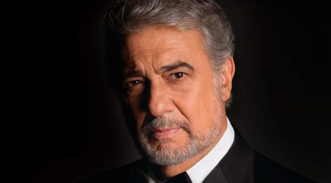 Plácido Domingo sings Malagueña