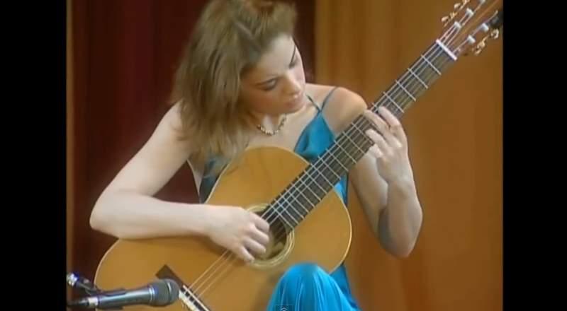 Ana Vidović guitar recital