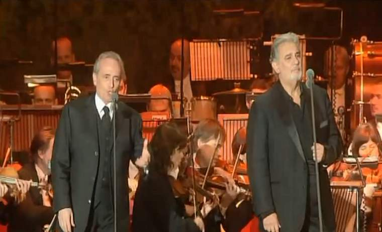 "Domingo & Carreras sings ""Non Ti Scordar di Me"