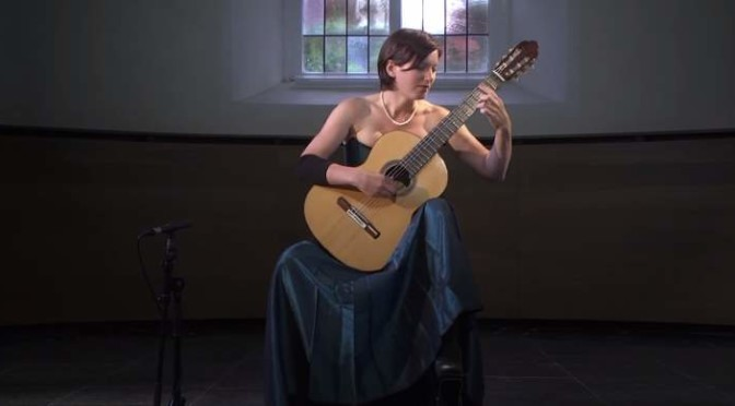 Anika Hutschreuther plays Tárrega's Gran Vals