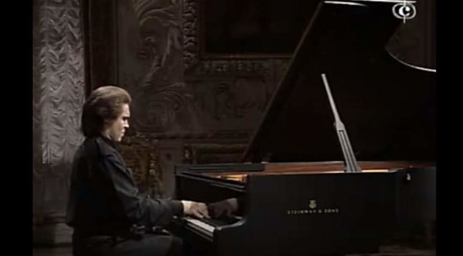 Ivo Pogorelich plays Piano Sonata No. 2 (Chopin)