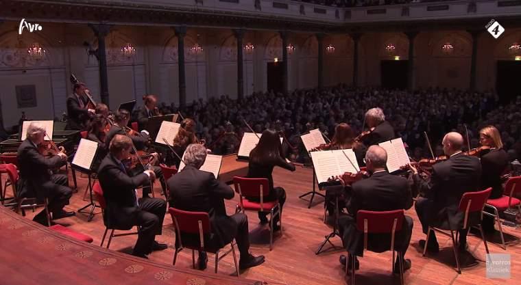 Concertgebouw Kamerorkest plays Mozart's Eine kleine Nachtmusik