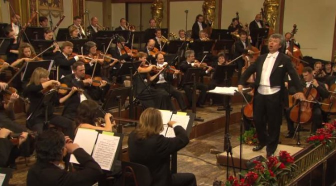Hungarian Symphony Orchestra Budapest plays Johannes Brahms' Hungarian Dance No.5