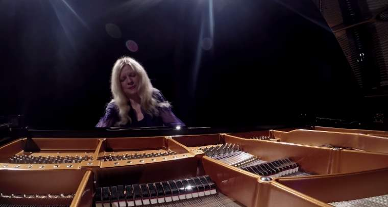 Valentina Lisitsa plays Franz Liszt's Sonata in B minor