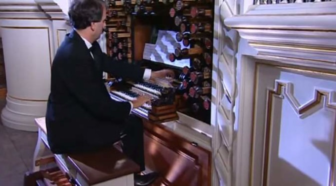 Hans-André Stamm plays Johann Sebastian Bach's Toccata and Fugue in D minor, BWV 565