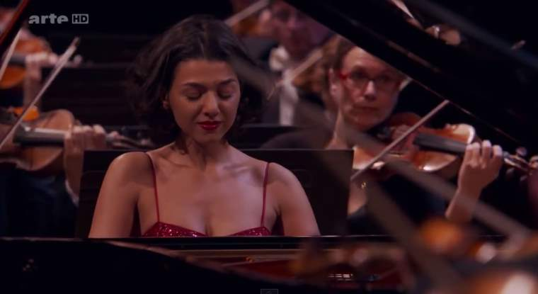 Khatia Buniatishvili plays the Piano Concerto in A minor, Op. 16 by Edvard Grieg