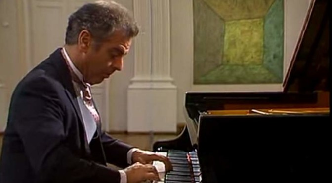 Daniel Barenboim plays Mozart's Piano Sonata No. 10