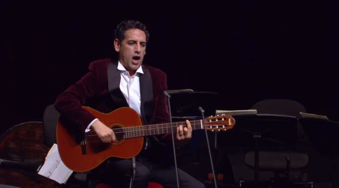 Juan Diego Flórez sings three Mexican songs with guitar