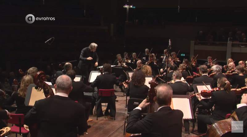 Netherlands Radio Philharmonic Orchestra and Choir perform Felix Mendelssohn's Symphony No. 2