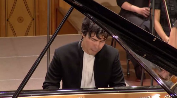 Christopher Park performs Mozart's Piano Concerto No. 20