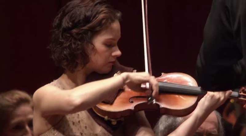 Hilary Hahn plays Brahms' violin concerto