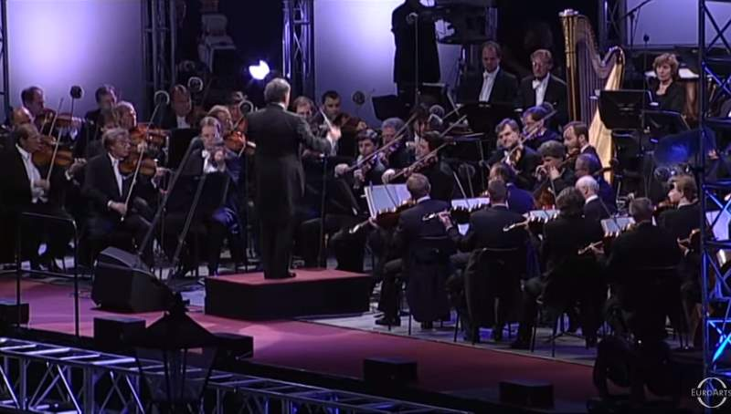 Vienna Philharmonic plays Johann Strauss' Loreley-Rhein-Klänge, Walzer, Op. 154