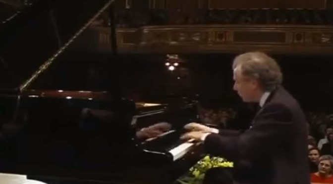 András Schiff plays Johann Sebastian Bach's English Suites