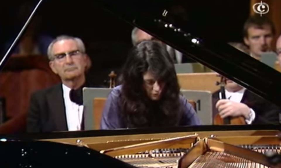 Martha Argerich plays Tchaikovski's Piano Concerto No. 1 (1975)