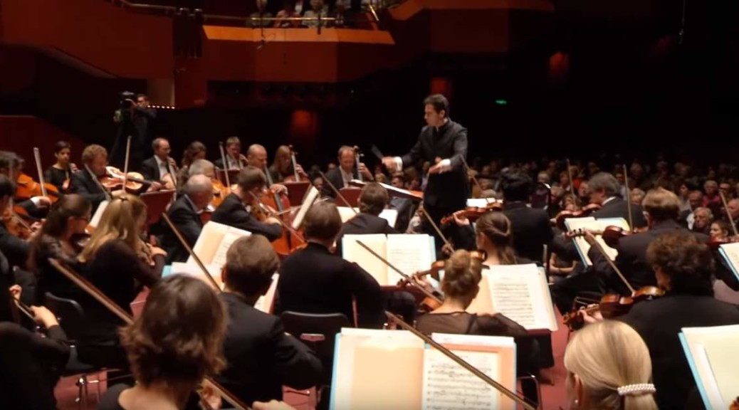 hr-Sinfonieorchester plays Brahms' Symphony No. 1