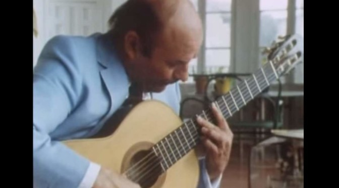 Julian Bream plays Sevilla (Albéniz)