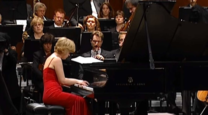Olga Kern plays Rachmaninoff-Piano-Concerto No. 3 at Carnegie Hall, 2004