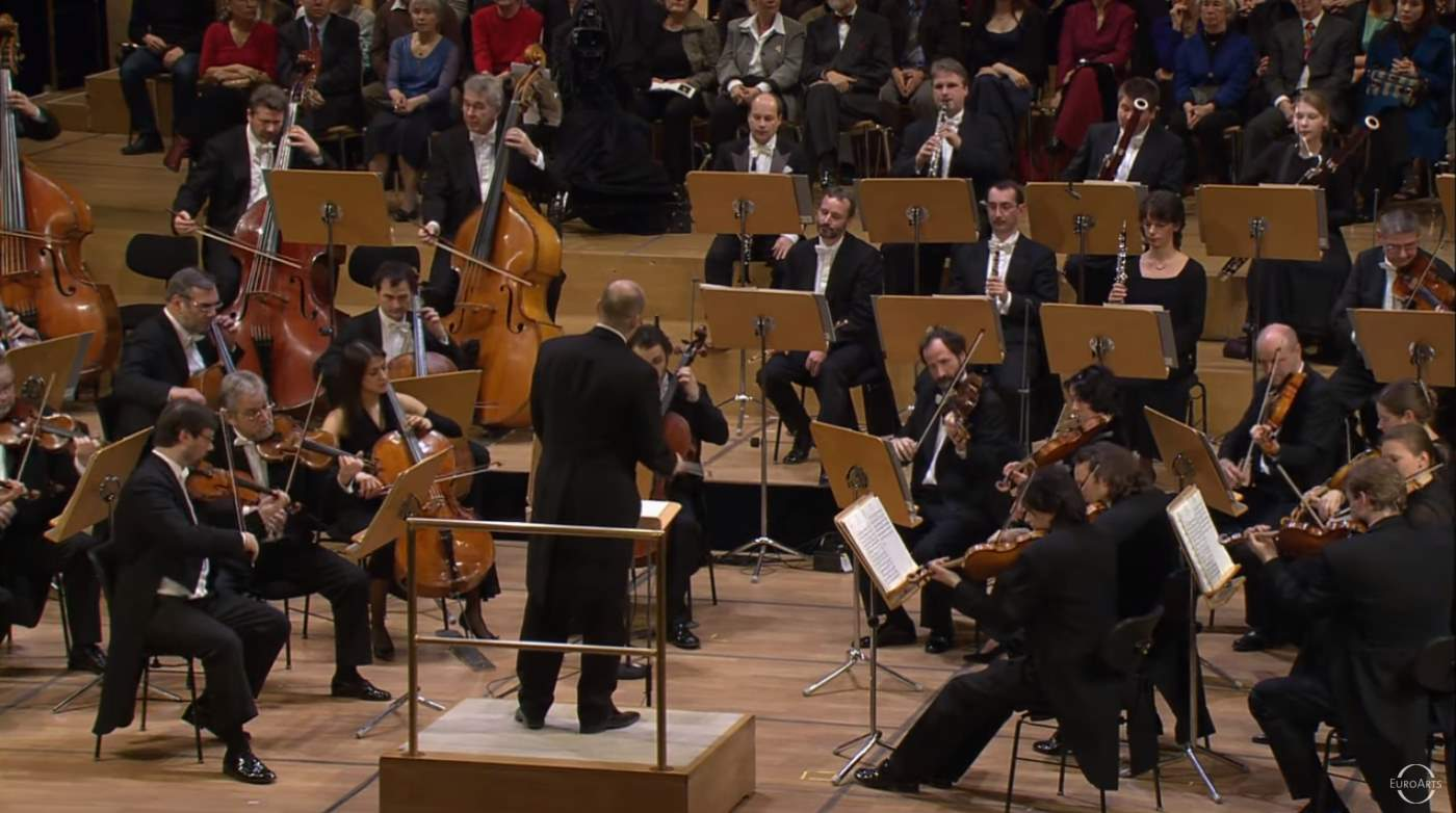 Mozart - Symphony No  40  Julien Salemkour  Staatskapelle Berlin
