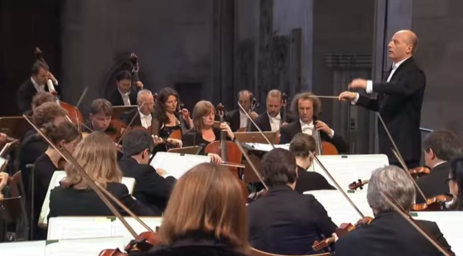 hr-Sinfonieorchester plays Mendelssohn's The Tale of the Beautiful Melusine