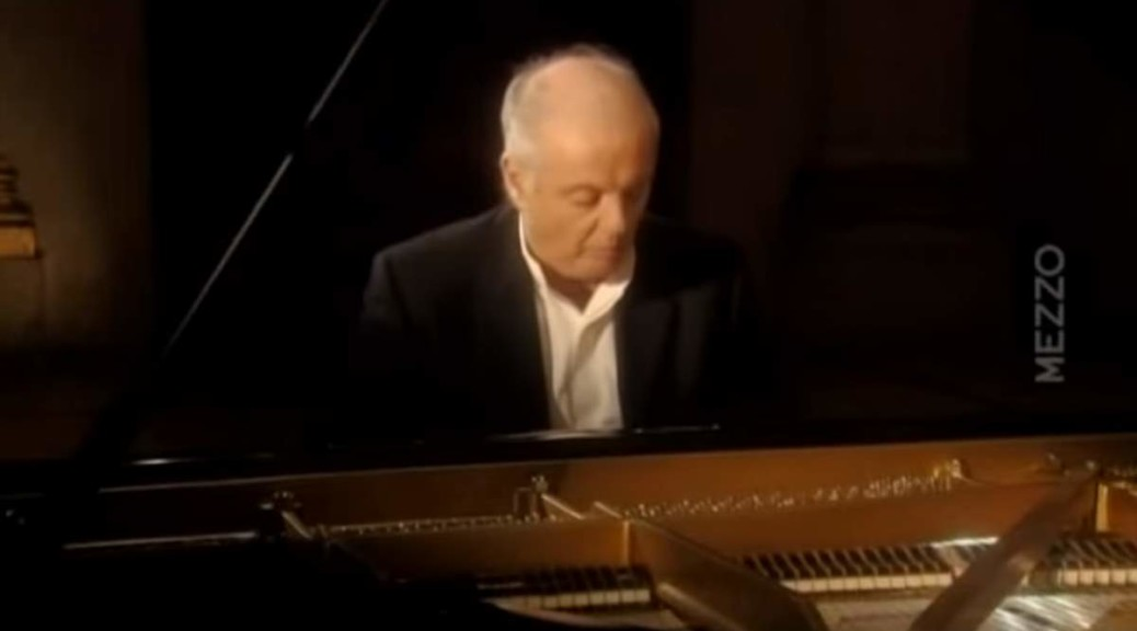 Daniel Barenboim plays Beethoven Piano Sonata No. 26