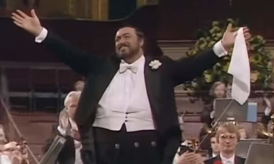 Pavarotti (London, 1982)