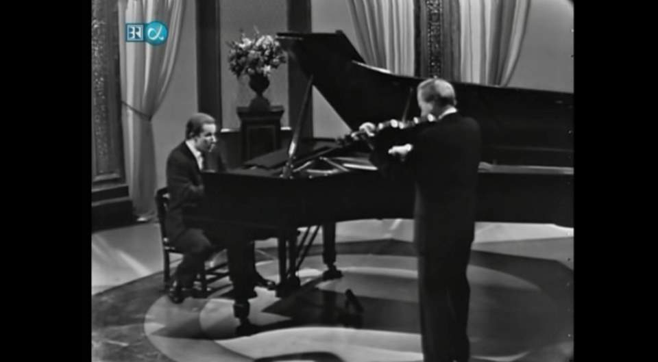 Yehudi Menuhin and Glenn Gould perform Bach - Sonata for Violin and Harpsichord No. 4