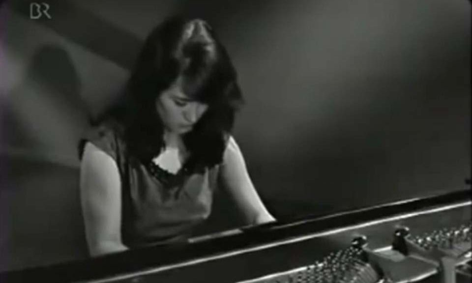 Martha Argerich plays Liszt - Hungarian Rhapsody No. 6