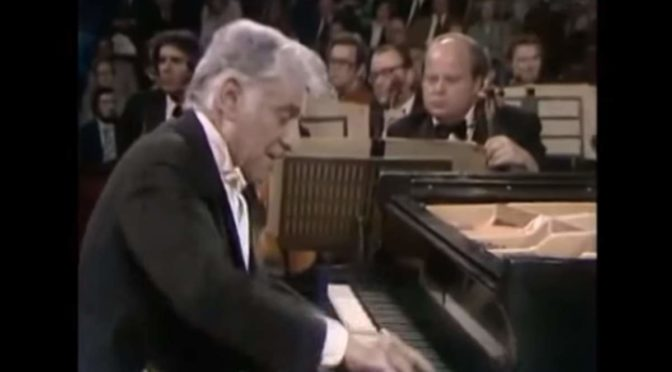 Bernstein plays Gershwin's Rhapsody in Blue