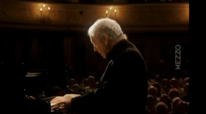 Daniel Barenboim plays Beethoven's Piano Sonata No. 27