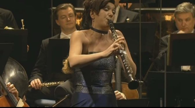 Sharon Kam performs W. A. Mozart's Clarinet Concerto
