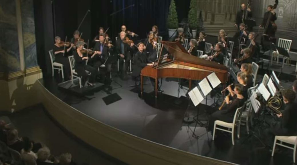 Kristian Bezuidenhout performs Mozart's Piano Concerto No. 17
