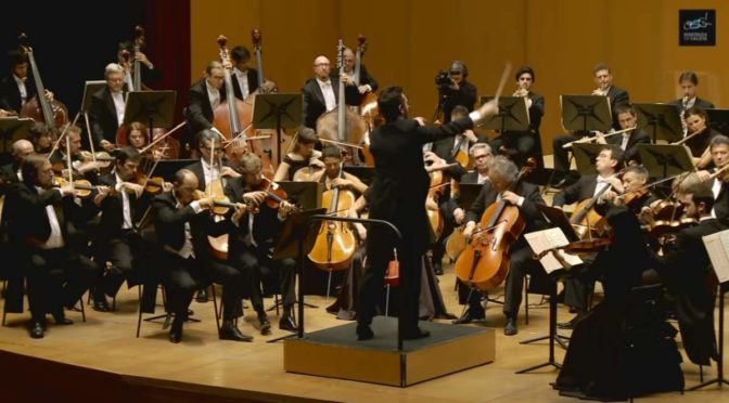 Galicia Symphony Orchestra performs Beethoven's Symphony No. 7