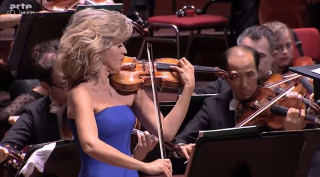 Anne-Sophie Mutter performs Jean Sibelius' Violin Concerto