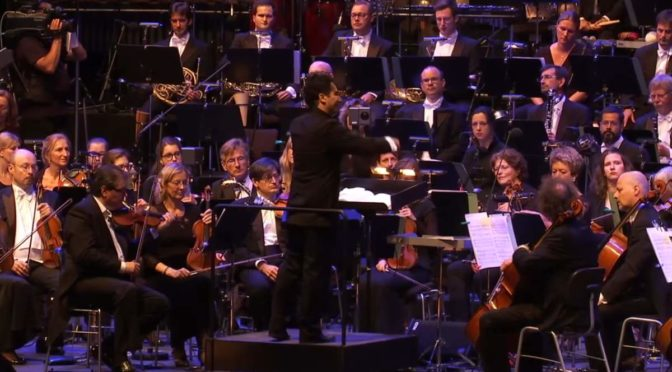 "hr-Sinfonieorchester performs Symphonic Dances from ""West Side Story"""