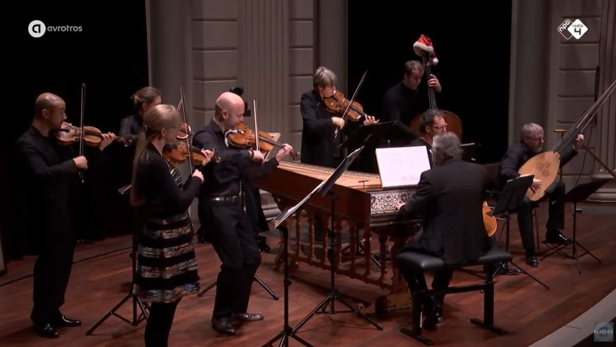 Combattimento performs Bach - Bach - Concerto for Two Violins (Double Violin Concerto)