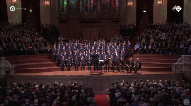 Windsbacher Knabenchor sings German Christmas carols