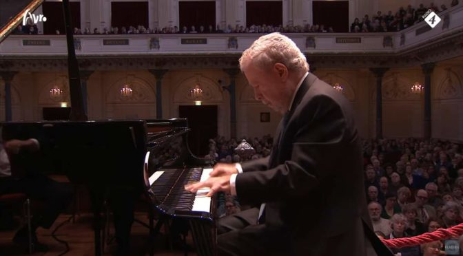 Nelson Freire performs Schumann's Piano Concerto