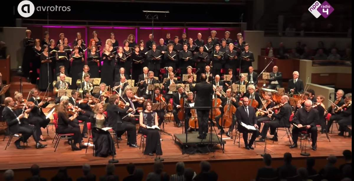 Orchestra of the Eighteenth Century and Cappella Amsterdam perform Beethoven's Missa Solemnis