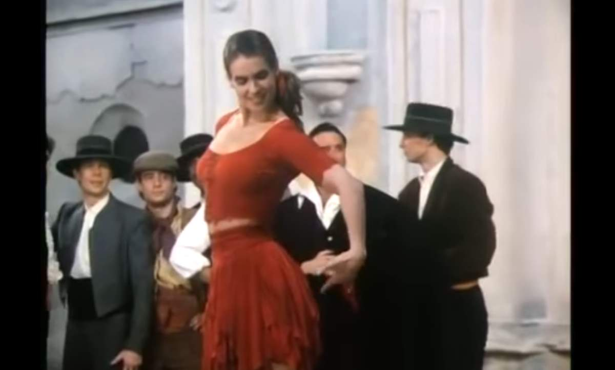 Katarina Witt in Carmen on Ice, Act 1 - Habanera by Bizet