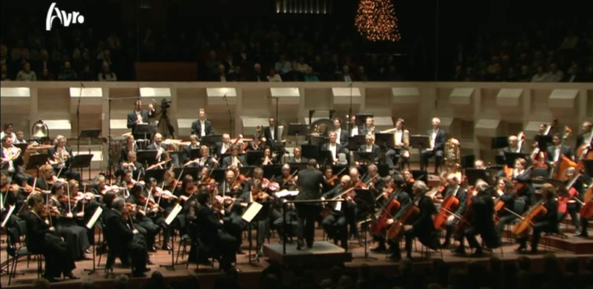 "Rotterdams Philharmonisch Orkest performs Tchaikovsky's ""The Nutcracker"""