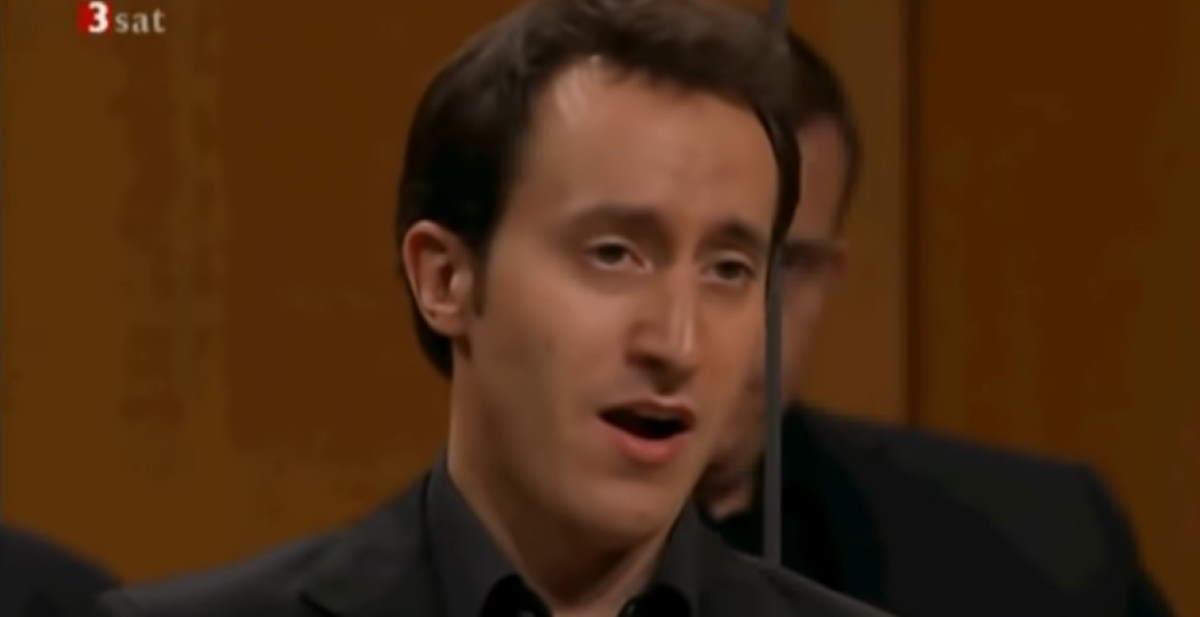Guillon sings Erbarme dich