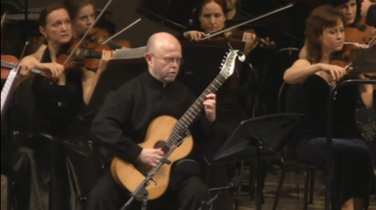 Pavel Steidl plays Mauro Giuliani - Guitar Concerto No. 1