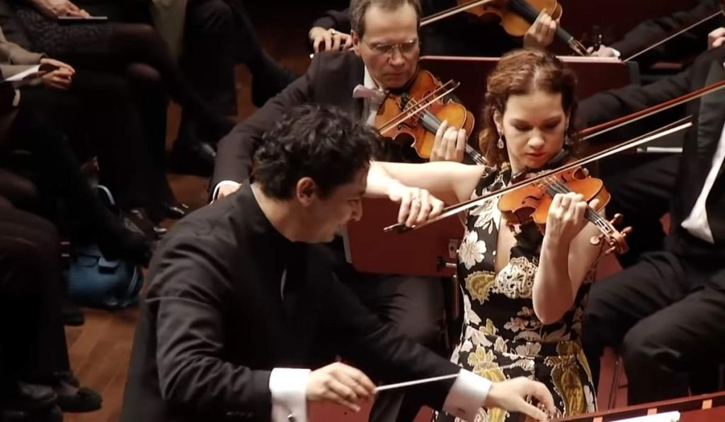 Hilary Hahn performs Max Bruch's Violin concerto No. 1